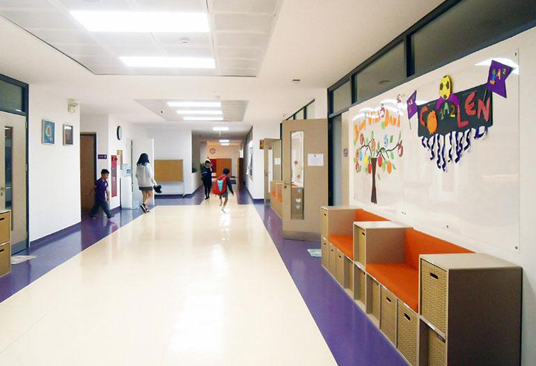 Graphenstone renovación de escuela Olympia School. Graphenstone Escuelas saludables. Pinturas ecológicas y respetuosas con la salud de los niños
